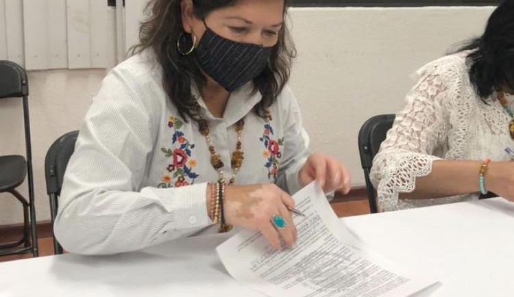 Firma Ayuntamiento de San Cristóbal convenio para programa Barriguita Llena Corazón Contento de Regreso a Clases