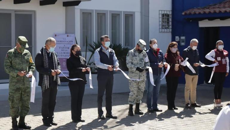 Inaugura Gobernador Rutilio Escandón Escudo Urbano C5 en San Cristóbal de Las Casas