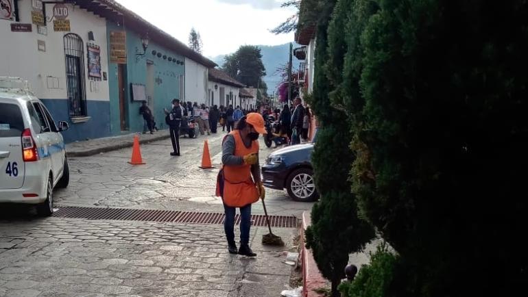 Se recolecta en el centro de San Cristóbal tonelada y media diaria extra de basura durante los pagos de apoyos federales