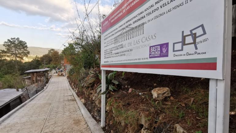 Atiende Ayuntamiento petición de colonia Las Minas II del Santuario: construye muro de contención en calle Aluminio
