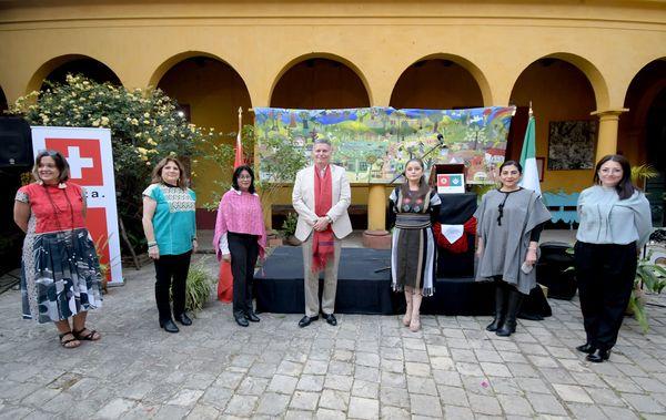 Suiza en Chiapas: Celebra Embajador Eric Mayoraz a Gertrude Duby en San Cristóbal de Las Casas