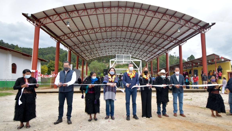 Inauguran Gobernador Rutilio Escandón y Presidenta Jerónima Toledo 158 cuartos dormitorios en El Aguaje de SCLC